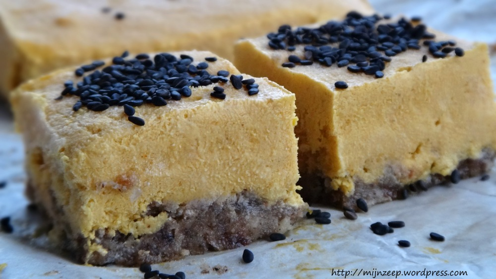 Raw Pumpkin Cheesecake