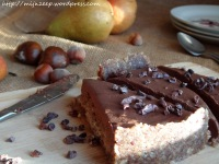 https://mijnzeep.wordpress.com/2014/04/11/tarte-poire-chocolatraw-pear-chocolate-cake/