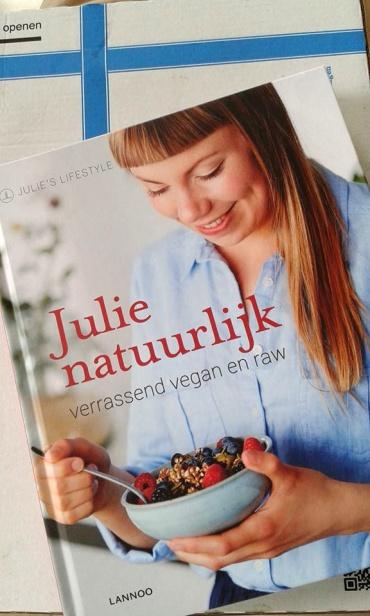 Julie natuurlijk book